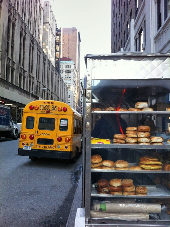 דוכן אוכל ברחוב. צילום: אביגיל לאפין גרא