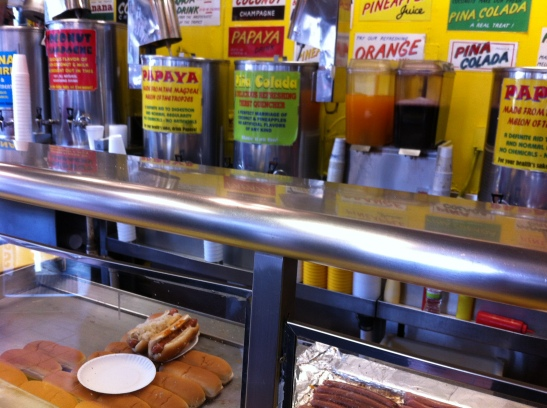 Gray's papaya1