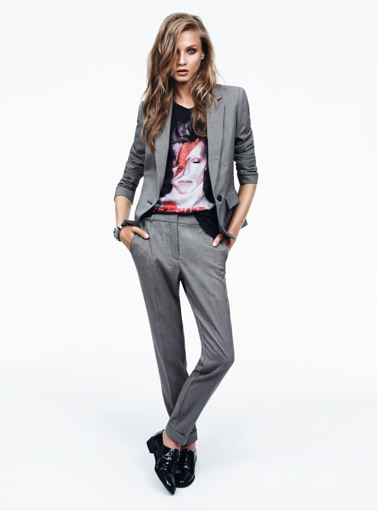 אנה סלזנבה לובשת טוניקת דייויד בואי, צילום לחלן ביילי