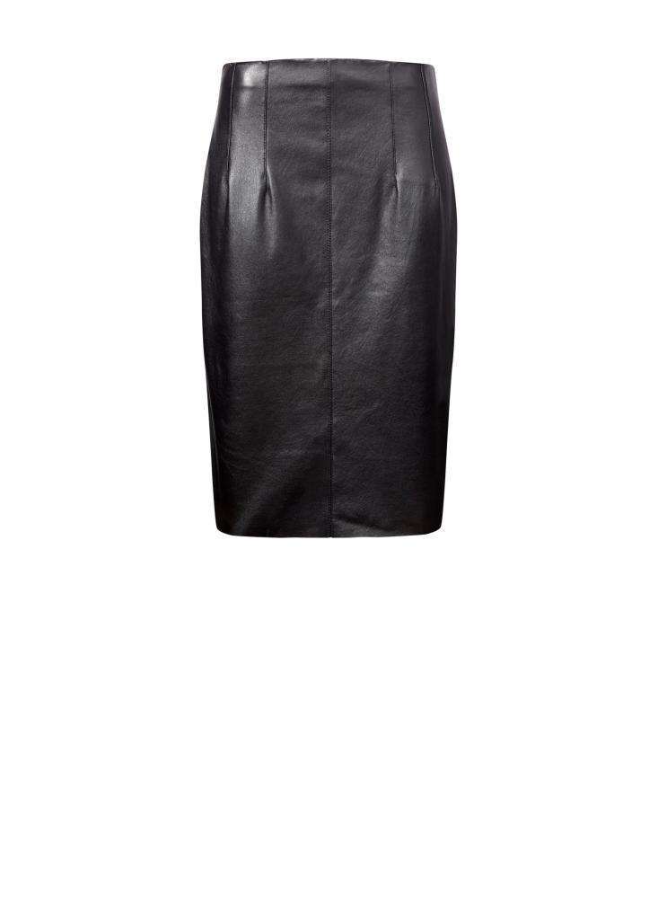 """חצאית עור שחורה, 499.9 ש""""ח, צילום ליה רובירס"""