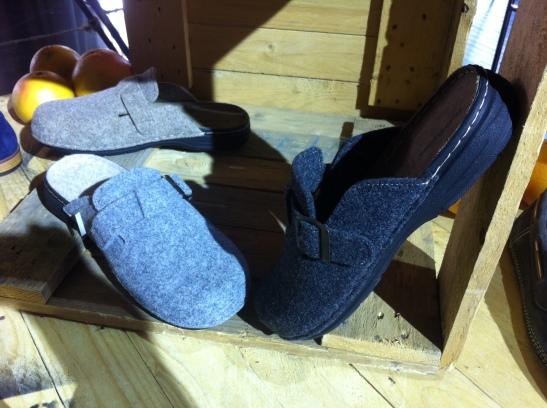 נעלי בית לגברים. צילום: הפיה השחורה