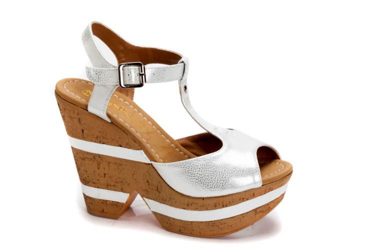 4601226 נעלי גלי נשים מחיר 239.90 שח צילום דן לב