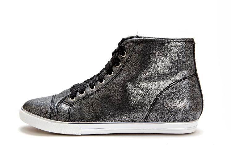4601383 נעלי גלי נשים מחיר 279.90 שח צילום דן לב