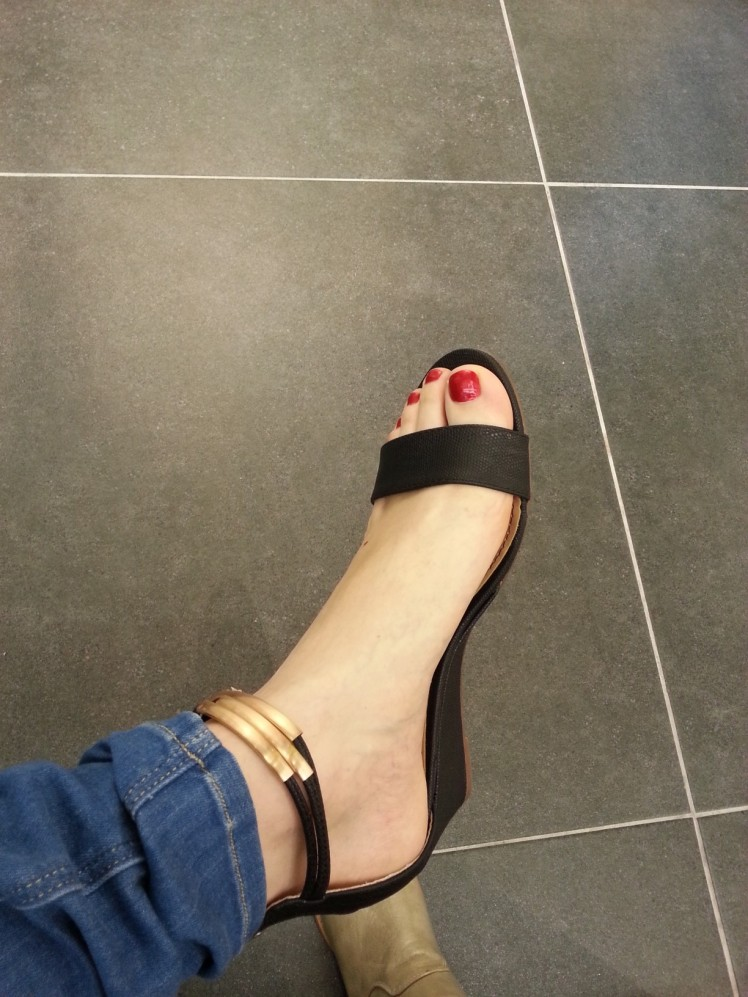 איך הרגל שלי? יפה לי?