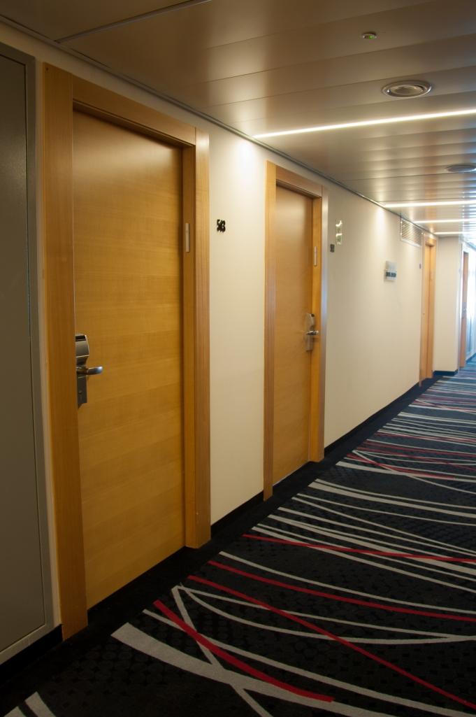 דלתות במלון בנג'מין בהרצליה