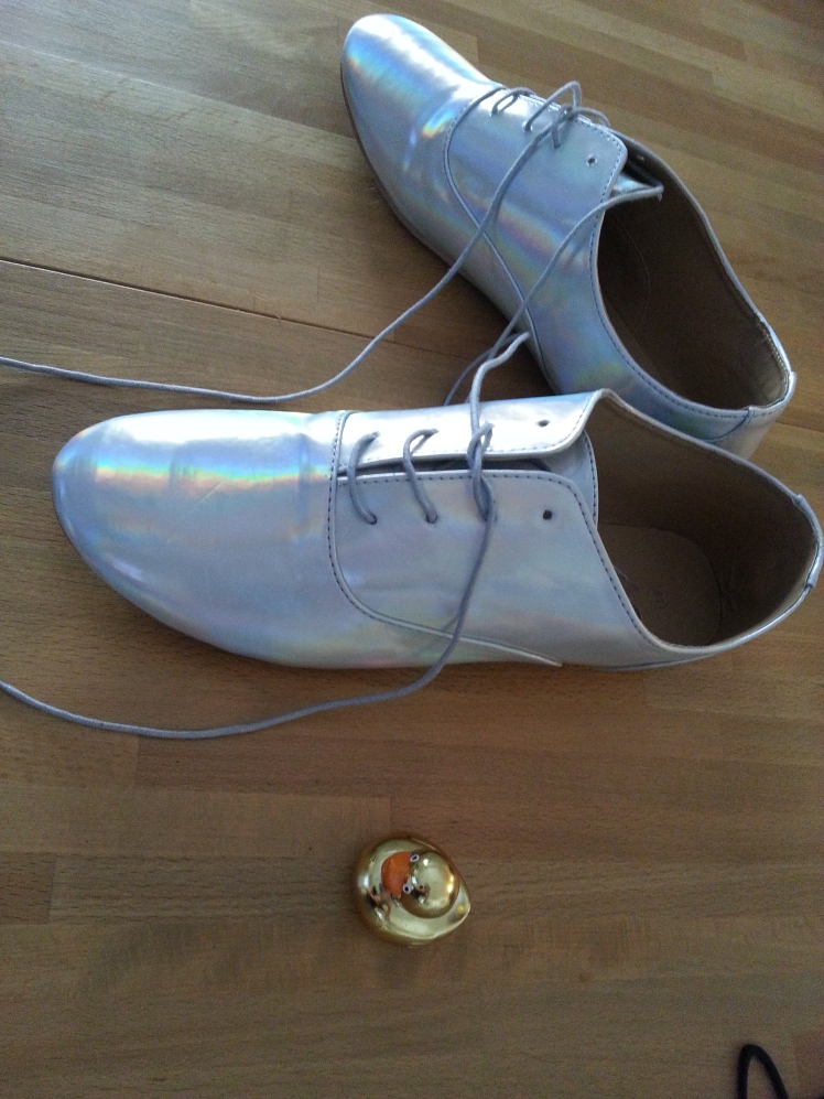 נעלי ההולוגרמה שלי מאמסטרדם