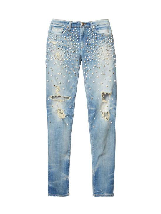 ג'ינס עם פנינים וניטים מוזהבים